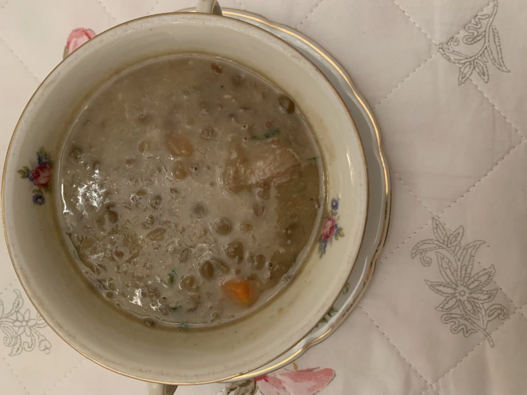 Sopa de lentilhas com carne